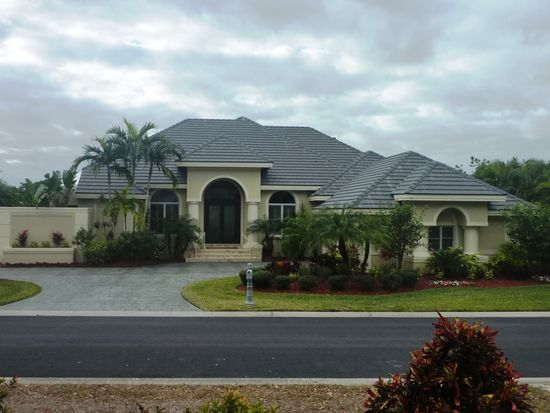 15720 Chatfield Dr, Fort Myers, FL 33908