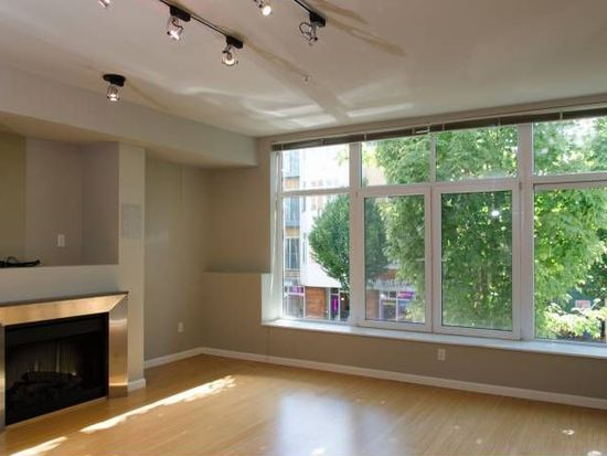17 W Mercer St APT 104, Seattle, WA 98119