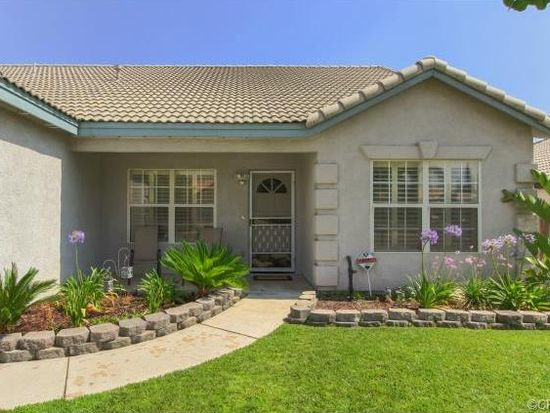 27625 Powell Dr, Highland, CA 92346