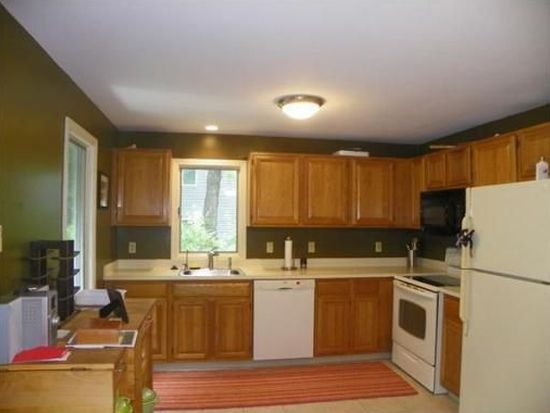 12 Country Meadow Rd UNIT 12, Haverhill, MA 01832