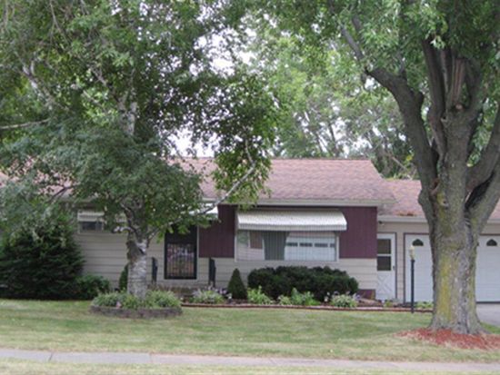 1703 N Peach Ave, Marshfield, WI 54449