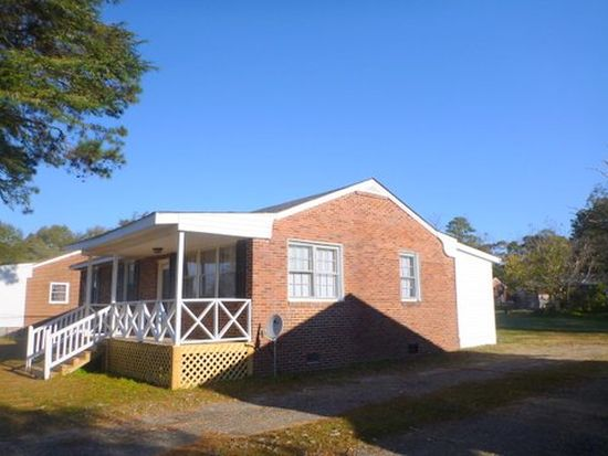 213 Country Acres Rd, Goldsboro, NC 27534