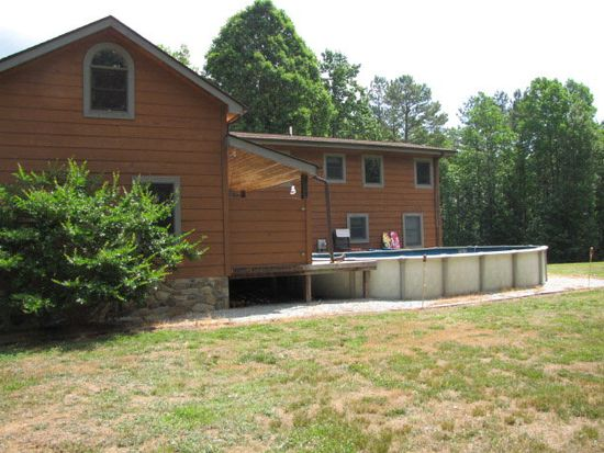 403 Crystal Forest Dr, Semora, NC 27343