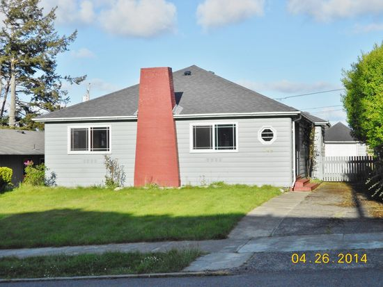 744 S 7th St, Coos Bay, OR 97420