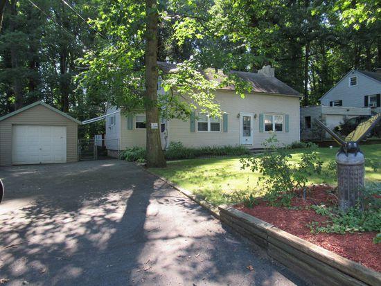 733 Woodside Ave, Mertztown, PA 19539