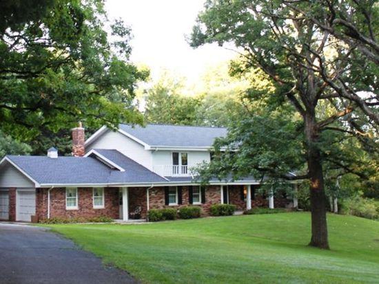 S33W26758 Hawthorne Hollow Dr, Waukesha, WI 53189