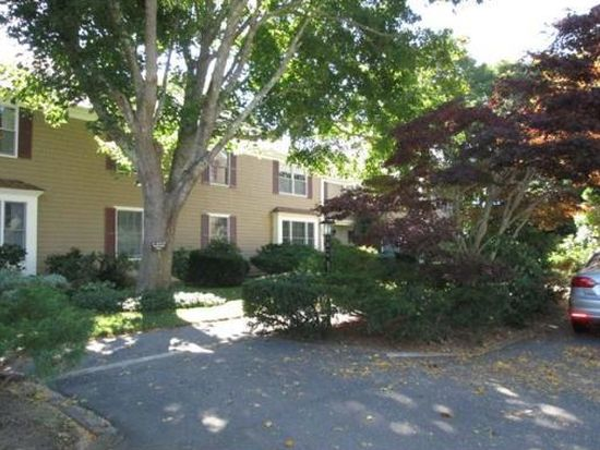 39 Tower Hill Rd APT 5A, Osterville, MA 02655