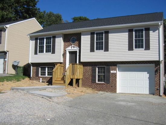 108 Point Pleasant Ave, Salem, VA 24153