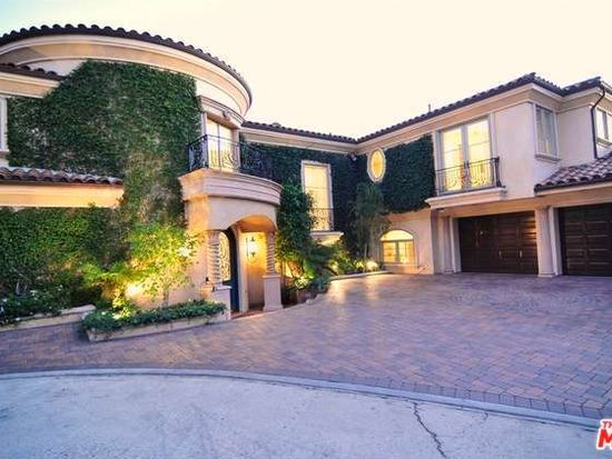 1260 St Ives Pl, Los Angeles, CA 90069