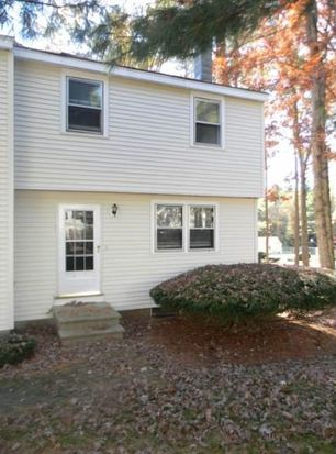 16 Olde Country Village Rd, Londonderry, NH 03053