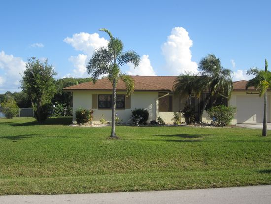 417 Grenier Dr, North Fort Myers, FL 33903