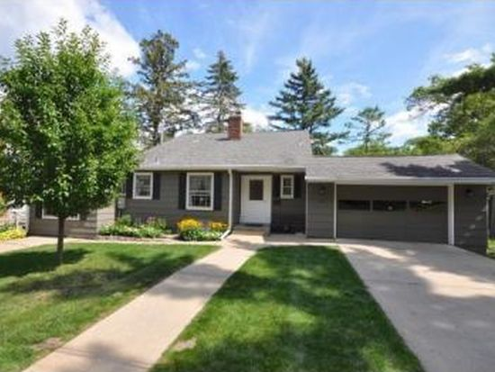 749 Pleasant St, Excelsior, MN 55331