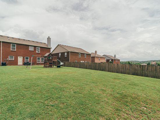 1019 Fulman Rd, Hendersonville, TN 37075