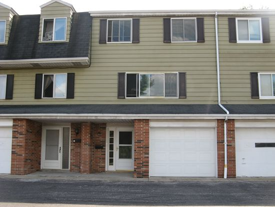 2015 Presidential Pkwy, Twinsburg, OH 44087