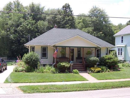 537 Liberty St, Grove City, PA 16127