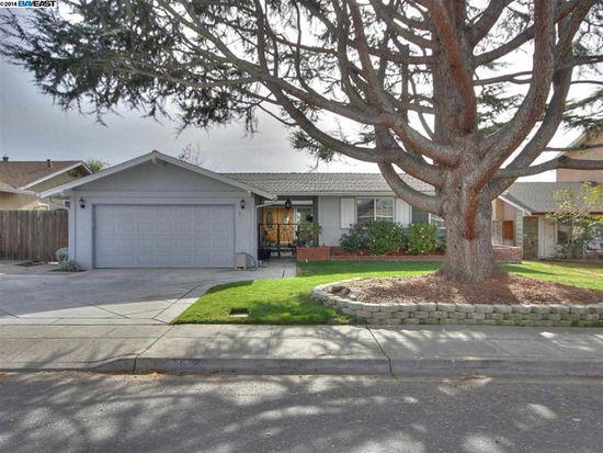 775 Catalina Dr, Livermore, CA 94550