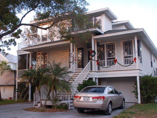 606 Indiana Ave, Crystal Beach, FL 34681