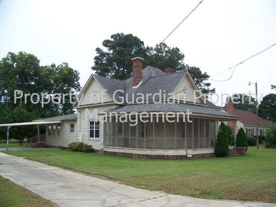 403 Mclamb St, Roseboro, NC 28382
