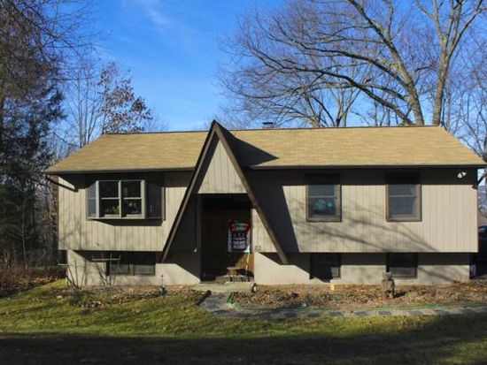 73 Brothers Rd, Poughquag, NY 12570