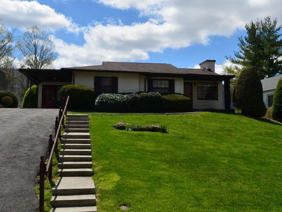 508 Mountain View Ave, Bluefield, WV 24701