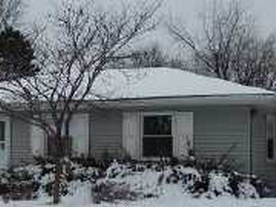 1611 Lucylle Ave, Saint Charles, IL 60174