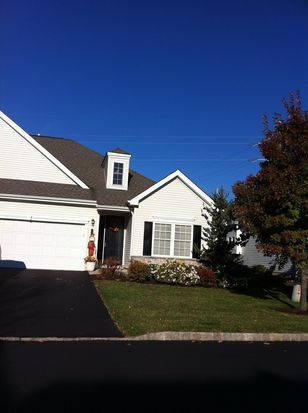 2681 Terrwood Dr W, Macungie, PA 18062