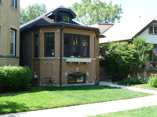 2613 W Lunt Ave, Chicago, IL 60645