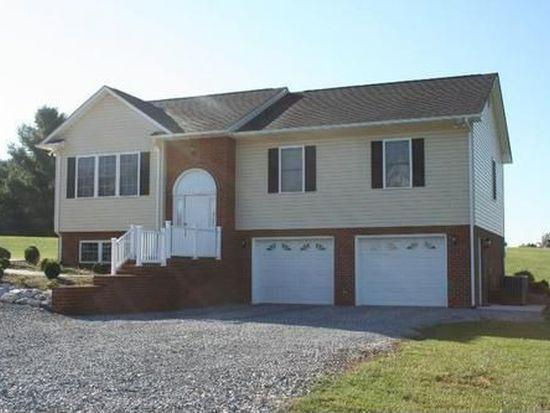 1036 Oakwood Knolls Dr, Bedford, VA 24523
