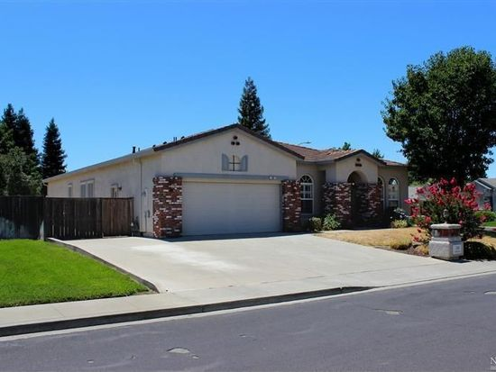 360 Stoneridge Cir, Vacaville, CA 95687