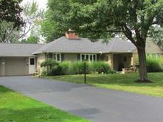 65 Mayfair Ln, Williamsville, NY 14221