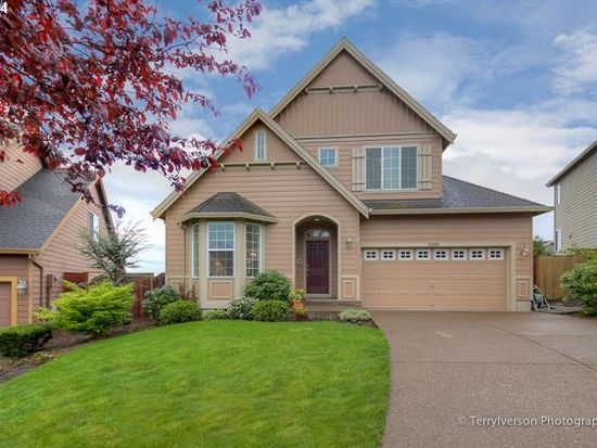 15888 SE Chelsea Morning Dr, Happy Valley, OR 97086