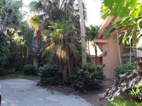 2752 Whippoorwill Ln, Vero Beach, FL 32960