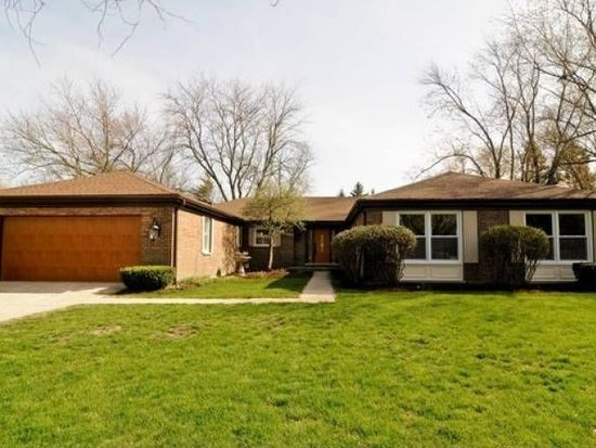 114 Fox Hunt Trl, Barrington, IL 60010