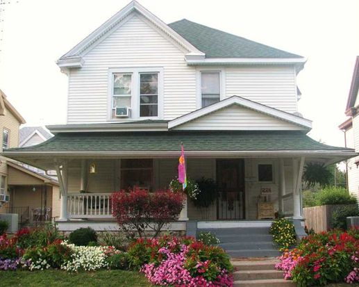 224 W 5th St, Rushville, IN 46173