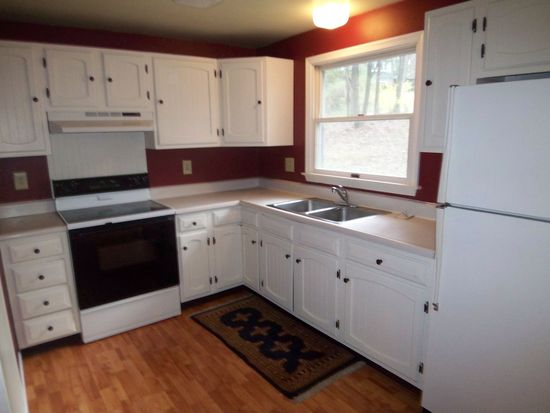 47 Woodland Dr, Lock Haven, PA 17745