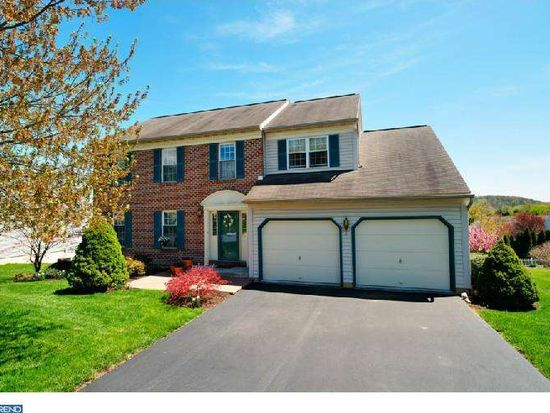 1114 Pepper Ridge Dr, Reading, PA 19606