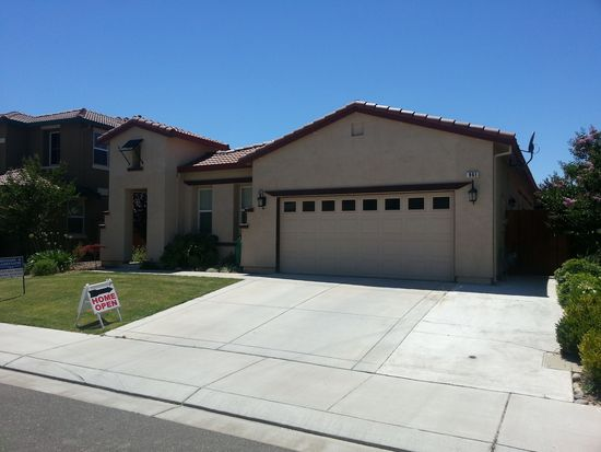 961 Lancaster St, Vacaville, CA 95687