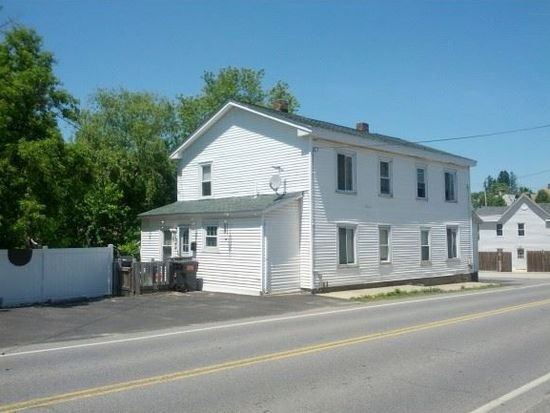 17 Fordway St, Derry, NH 03038
