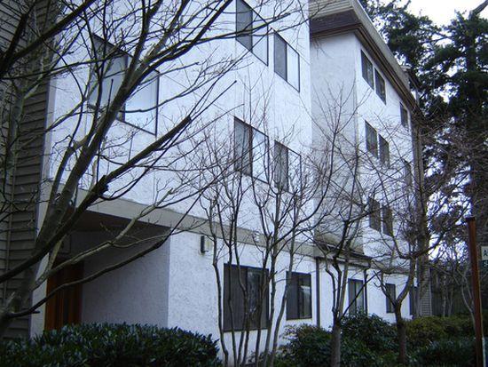 12051 28th Ave NE APT 408, Seattle, WA 98125