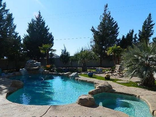 16570 Wintun Rd, Apple Valley, CA 92307