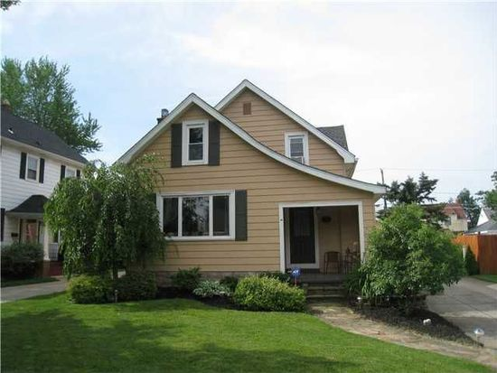 51 South Dr, Amherst, NY 14226
