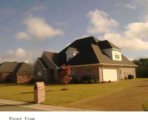 121 Canna Ave, Starkville, MS 39759