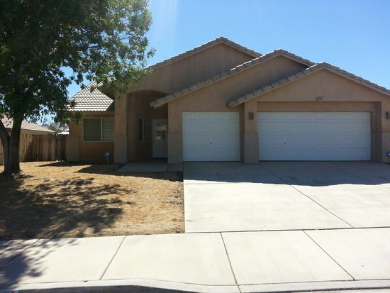 13561 Thistle St, Victorville, CA 92392