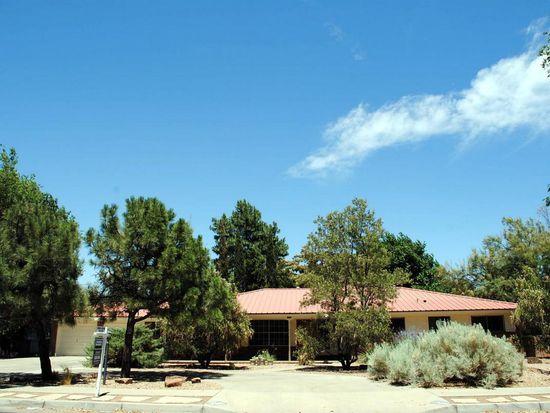1509 Kit Carson Ave SW, Albuquerque, NM 87104