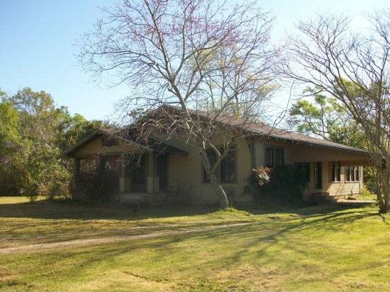 410 N Jackson St, Poplarville, MS 39470
