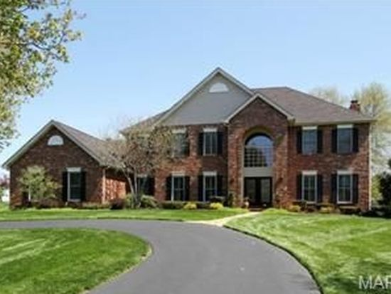 2357 Sterling Pointe Dr, Chesterfield, MO 63005