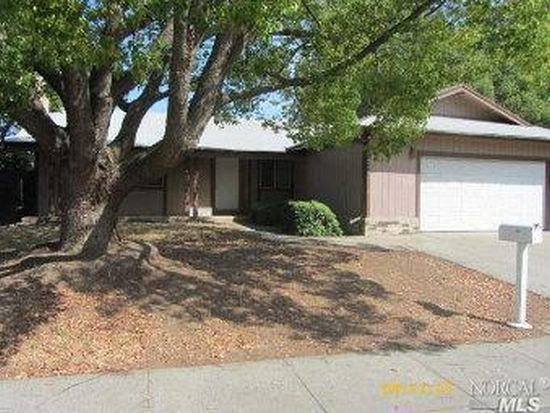 389 Evergreen Dr, Vacaville, CA 95688