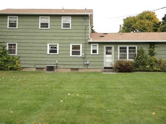 81 Mobile Dr, Greece, NY 14616