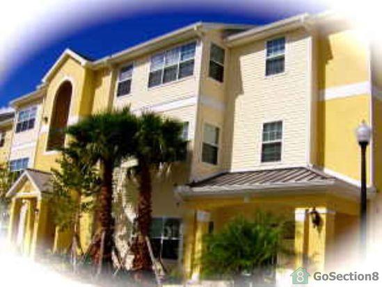 3623 Crestwood Lk Ave APT 206, Fort Myers, FL 33901