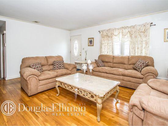 87 Lukens Ave, Brentwood, NY 11717